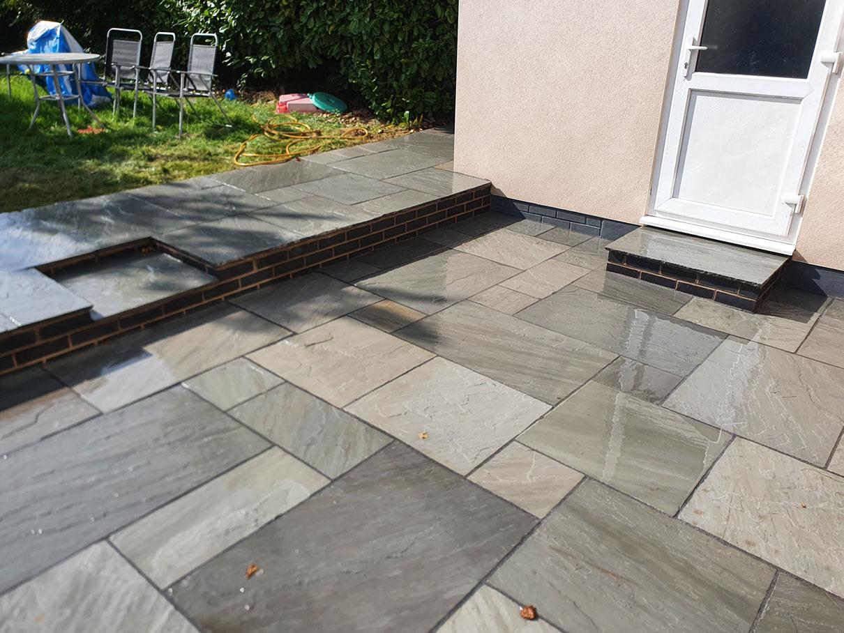 garden-patio-tile-pattern-raised-patio-slabs